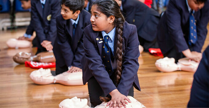 Ministry Of Education Finding Ways To Make Cpr A Compulsory Subject In School - World Of Buzz 2
