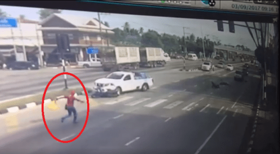 """""""spider-Man"""" Seen Rushing To Help Motorcyclist Injured In Accident - World Of Buzz 1"""