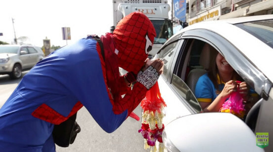 """""""spider-Man"""" Seen Rushing To Help Motorcyclist Injured In Accident - World Of Buzz 4"""