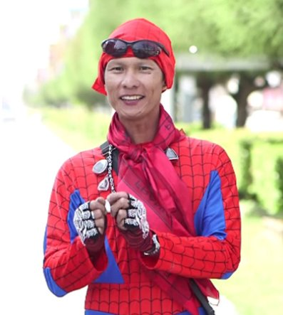 """""""spider-Man"""" Seen Rushing To Help Motorcyclist Injured In Accident - World Of Buzz 5"""