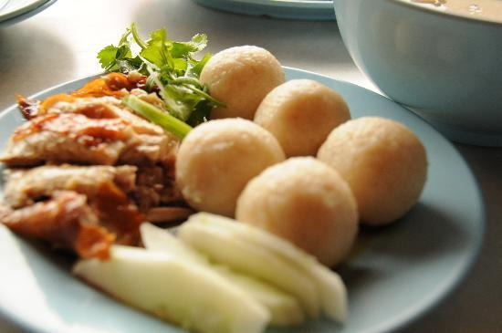 These Are The 3 Alleged Origin Theories You Didn't Know About Melaka's Chicken Rice Balls - World Of Buzz 2