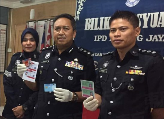 Foreigners Busted Selling All Sorts of Fake Official Documents As Cheap As RM400 - WORLD OF BUZZ