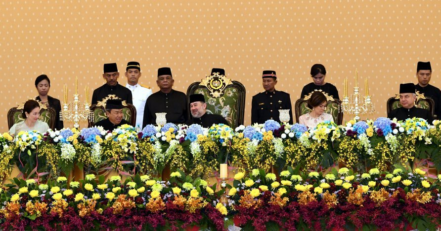 Malaysian Sultans Want The Rakyat to be United and Harmonious - WORLD OF BUZZ 2
