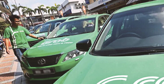 Malaysian Uni Students Rate Grab/Uber Drivers by Car Brand Instead of Riding Experience - WORLD OF BUZZ