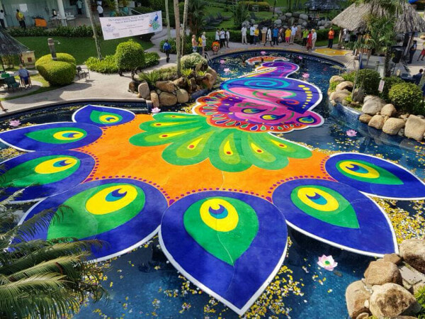 This 'Floating Festive Kolam' Just Made It into The Book of Records, Netizens Amazed - WORLD OF BUZZ 3
