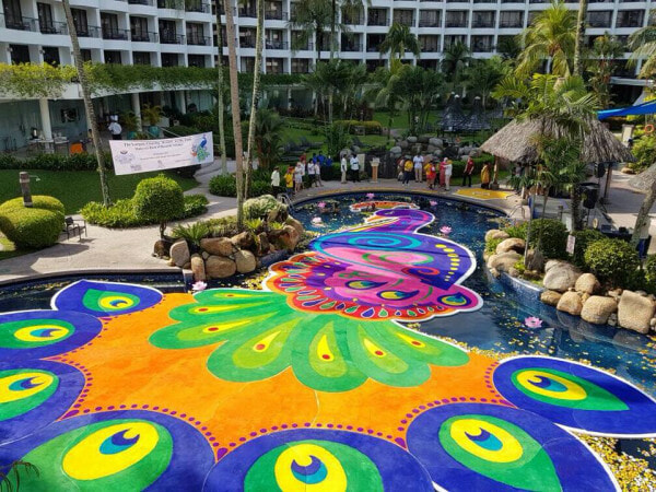 This 'Floating Festive Kolam' Just Made It into The Book of Records, Netizens Amazed - WORLD OF BUZZ