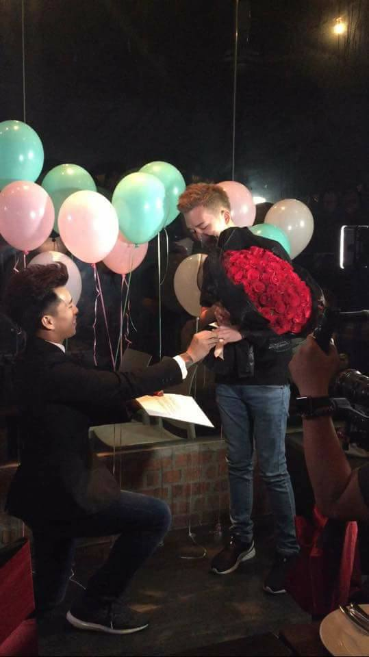 M'sian Same-Sex Couple Goes Viral After Sharing Sweet Wedding Proposal Video - World Of Buzz 2