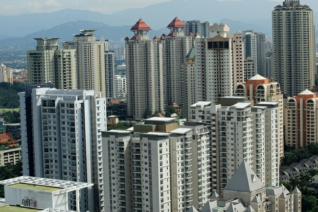 Oversupply in M'sia Property Market Forces Govt to Freeze Luxury Developments - WORLD OF BUZZ 2