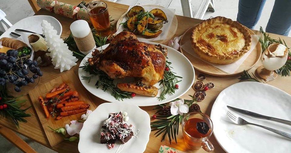 7 Makan Places Malaysians Can Stuff Their Faces With a Christmas Feast - WORLD OF BUZZ 1