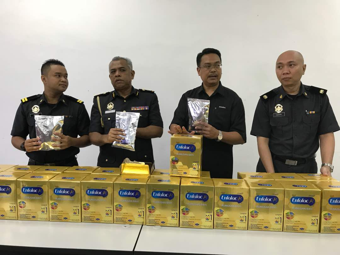 Here's How to Differentiate Between Real and Fake Baby Milk Powder Found in JB - WORLD OF BUZZ 2