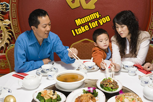 8 CNY Reunion Dinner Etiquette All Malaysians Must Know - WORLD OF BUZZ 3