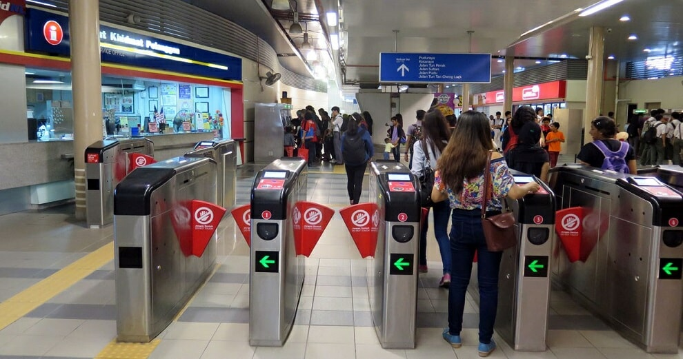 Pakatan Wants to Introduce Monthly RM100 Unlimited Travel Passes For Public Transport - WORLD OF BUZZ 2