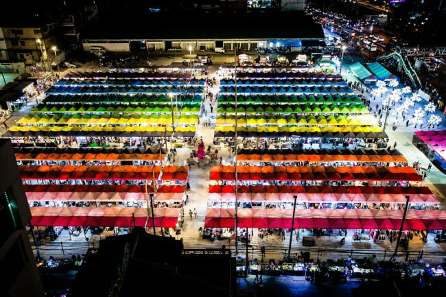 XX Awesome Night Markets in Bangkok You Must Visit for A Complete Experience - WORLD OF BUZZ 11