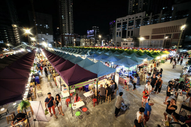 XX Awesome Night Markets in Bangkok You Must Visit for A Complete Experience - WORLD OF BUZZ 12