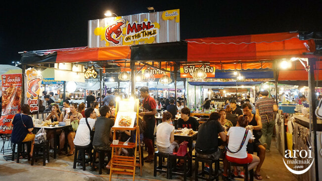 XX Awesome Night Markets in Bangkok You Must Visit for A Complete Experience - WORLD OF BUZZ 14