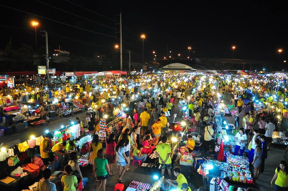 XX Awesome Night Markets in Bangkok You Must Visit for A Complete Experience - WORLD OF BUZZ 20