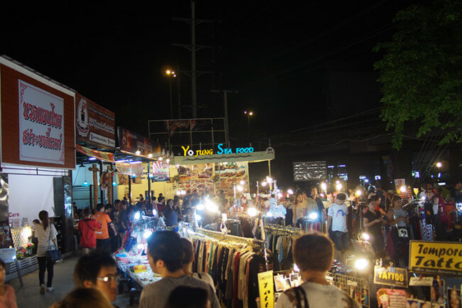 XX Awesome Night Markets in Bangkok You Must Visit for A Complete Experience - WORLD OF BUZZ 21
