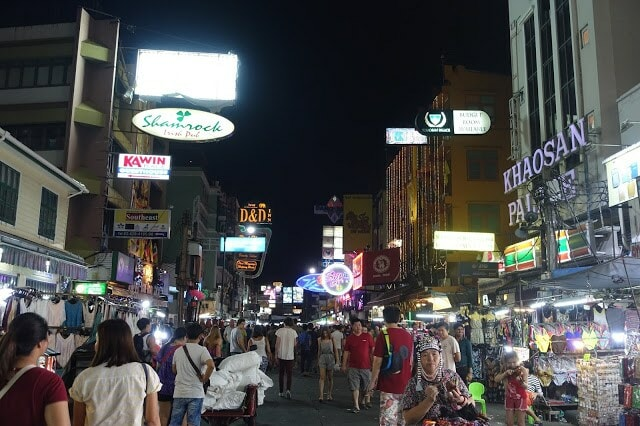 XX Awesome Night Markets in Bangkok You Must Visit for A Complete Experience - WORLD OF BUZZ 22