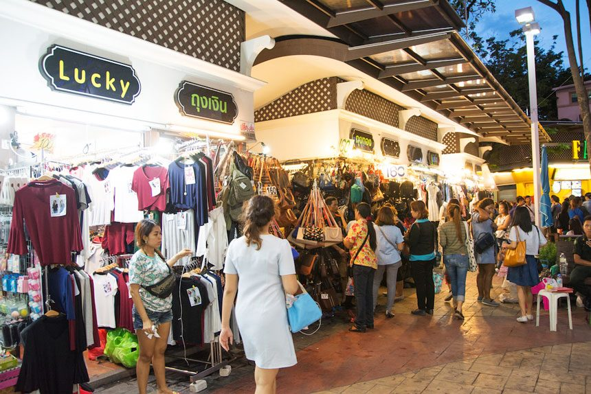 XX Awesome Night Markets in Bangkok You Must Visit for A Complete Experience - WORLD OF BUZZ 8