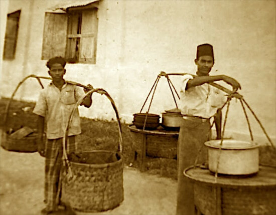 Did You Know Nasi Kandar Was Actually a Breakfast Meal? - WORLD OF BUZZ 1