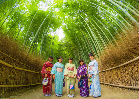 Malaysian Tourists Allegedly Carve Names on Bamboo in Japan - WORLD OF BUZZ 3