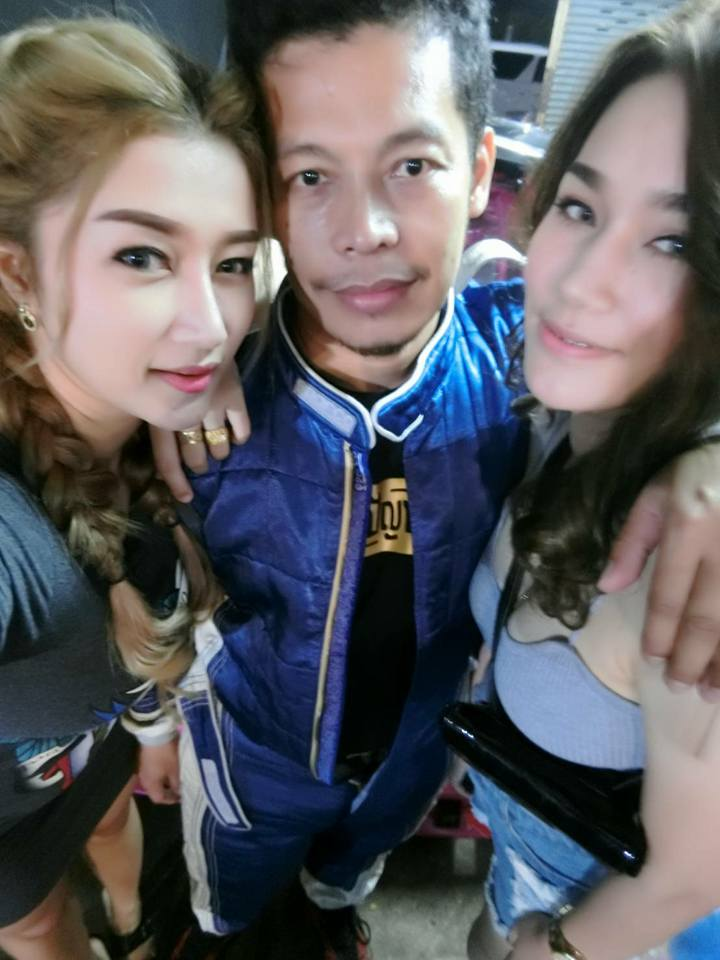 Man Living The Dream with Two Beautiful Wives Shares How He Keeps Them Happy - WORLD OF BUZZ