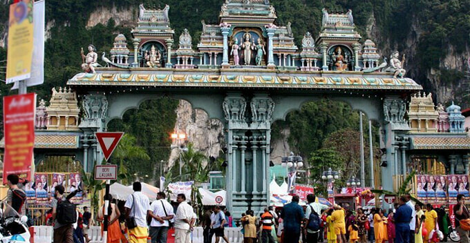 PM's Aide: No More Temple Will be Demolished If BN Retakes Selangor in GE14 - WORLD OF BUZZ