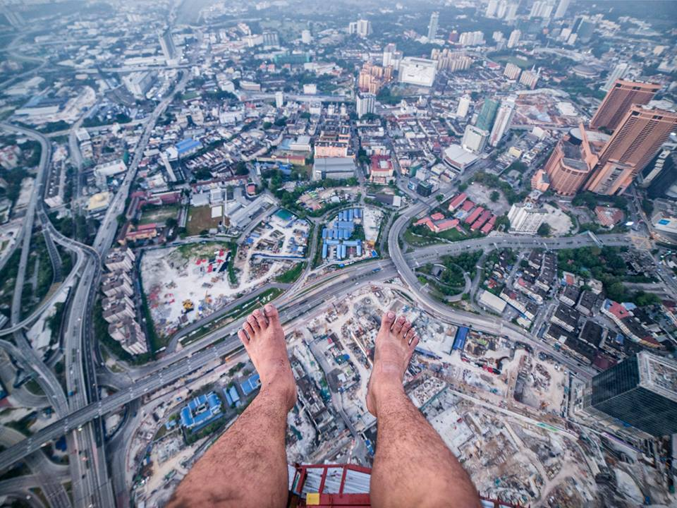 This Malaysian Photographer Just Climbed The Exchange 106 And Took Stunning Shots - WORLD OF BUZZ 4