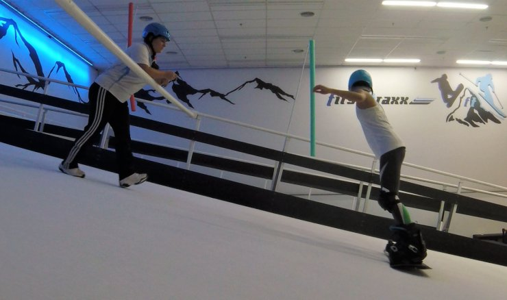 We Tried Indoor Snowboarding at First Traxx & Here's 5 Things We Learnt - WORLD OF BUZZ 2