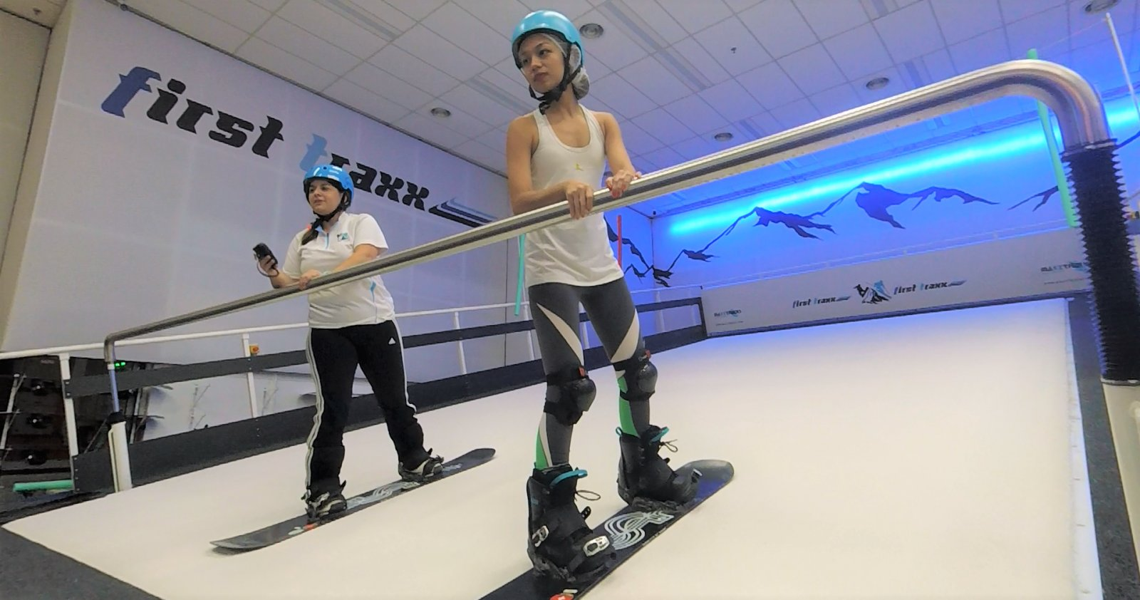 We Tried Indoor Snowboarding at First Traxx & Here's 5 Things We Learnt - WORLD OF BUZZ 3