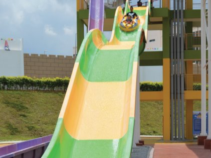 Free Entry for March Babies at Bangi Wonderland! - WORLD OF BUZZ 2