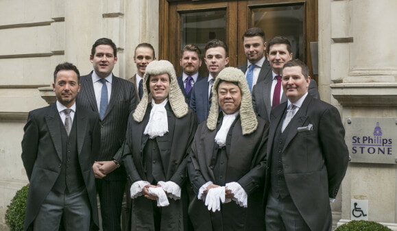 Meet Jern Fei-Ng, the M'sian Who is One of Most Respected Barrister in Britain - WORLD OF BUZZ 2