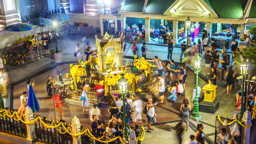 You Can No Longer Light Up Incense or Candles at Bangkok's Erawan Shrine - WORLD OF BUZZ 1