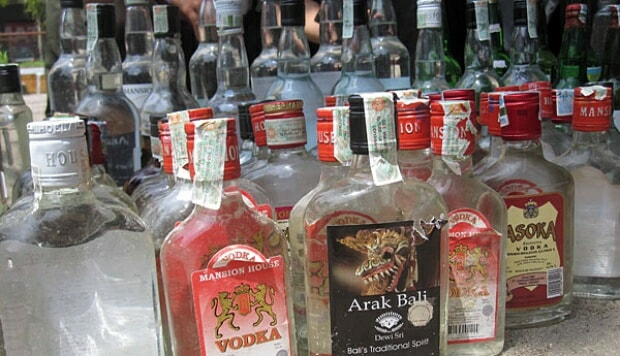At Least 24 People Died After Drinking Tainted Alcohol in Indonesia - WORLD OF BUZZ 2