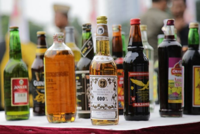At Least 24 People Died After Drinking Tainted Alcohol in Indonesia - WORLD OF BUZZ 3