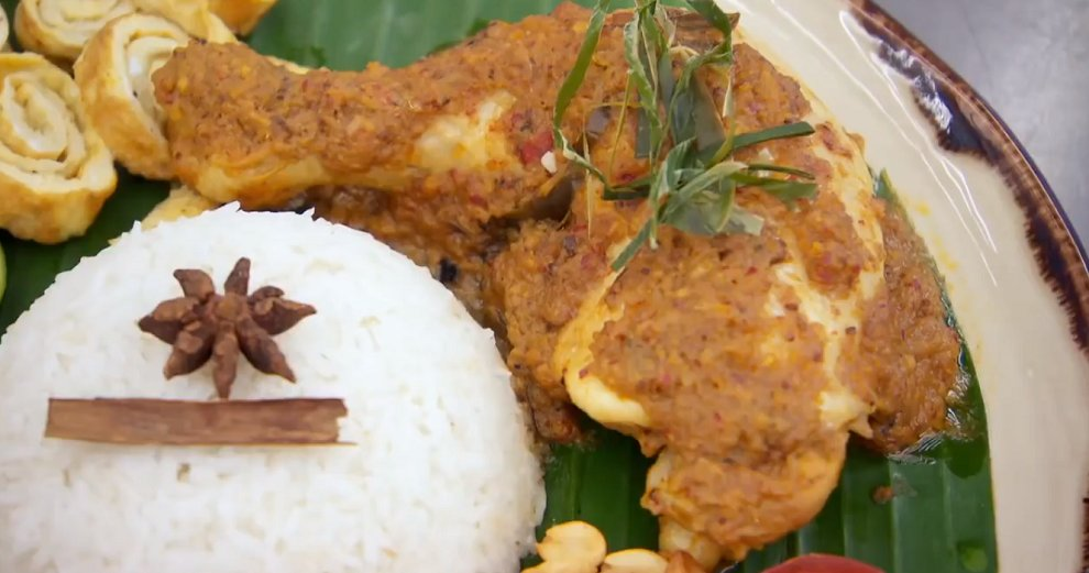 """""""chicken Rendang Is Never Crispy,"""" Says British High Commissioner Of Malaysia - World Of Buzz 6"""