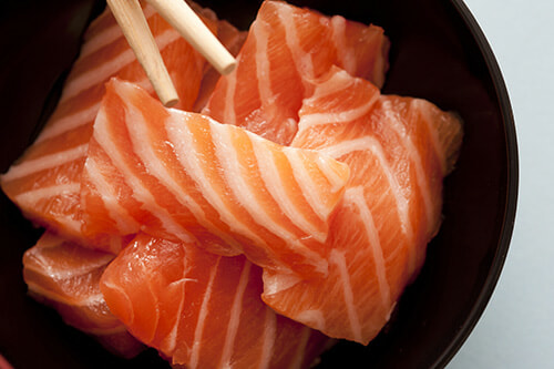 Love Salmon Sashimi? Here Are 4 Simple Ways To Know If It is Actually Fresh or Not - WORLD OF BUZZ 2