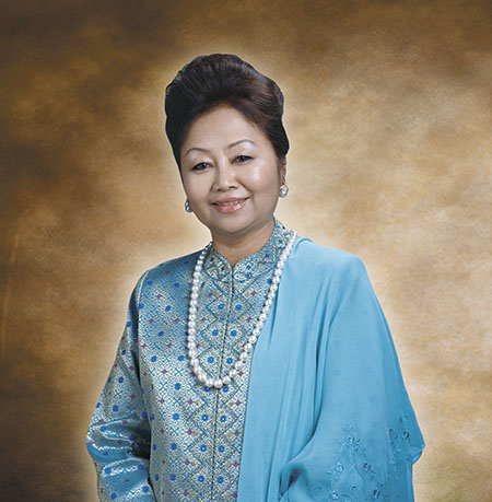 An Insight Into The Spouses of Malaysia's Prime Ministers - WORLD OF BUZZ 4