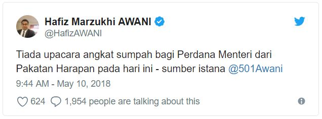 Dr. M's 'Angkat Sumpah' to Become Next PM Gets Cancelled, Police Blocks Road to Palace - WORLD OF BUZZ