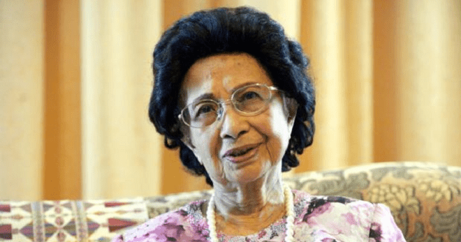 Siti Hasmah Wants M'sians to Stop Sending Gifts to Her & Tun M, Here's Why - WORLD OF BUZZ
