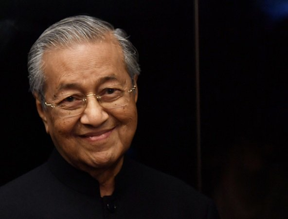 Petitions for Mahathir to Receive Nobel Peace Prize - WORLD OF BUZZ 2