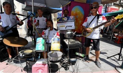 Busking For Hope: Senior Citizens Make Music Out Of Makeshift Instruments - WORLD OF BUZZ 4