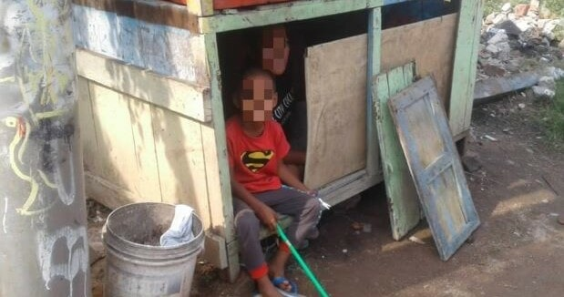 Boy and Pregnant Mother Found Living in an Abandoned Burger Stall at Balai Panjang - WORLD OF BUZZ