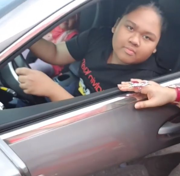 Did Datuk Seri Vida Really Just Buy A Mercedes-Benz For Her 13yo Daughter? - WORLD OF BUZZ 1