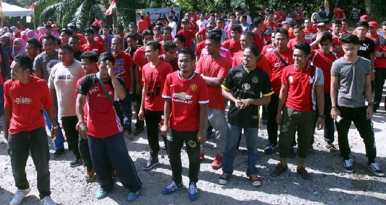 Yes, Your Kids Can Now Join Umno When They Are 16 - WORLD OF BUZZ 4