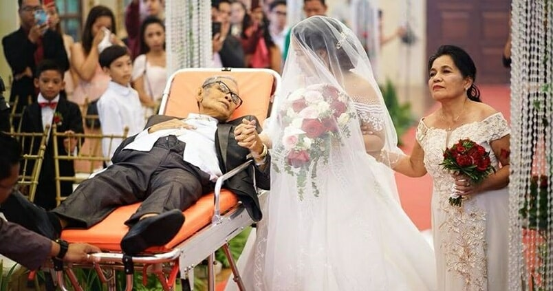 Father With Advanced Cancer Fulfills Last Wish Of Walking Down The Aisle - WORLD OF BUZZ