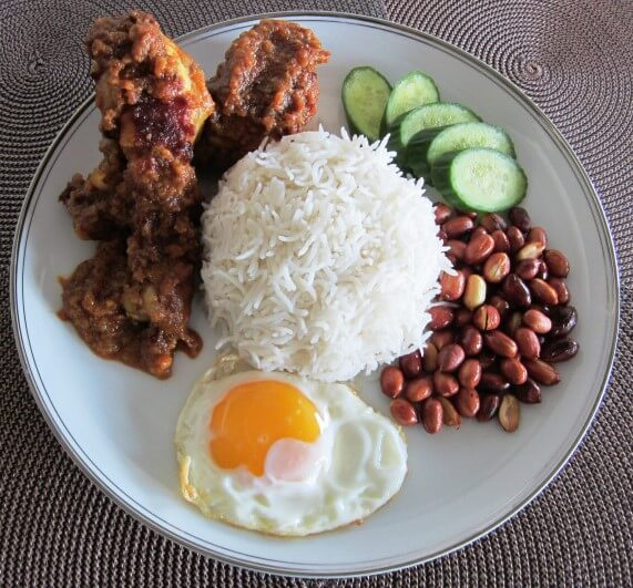 Here's How Nasi Lemak Was Created and Why M'sians Eat It for Breakfast - WORLD OF BUZZ