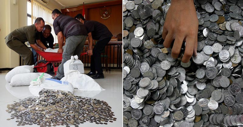 Man Pays Ex-Wife RM44,894 Alimony With 890kg Coins - WORLD OF BUZZ 1