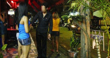 Msian Women Are Prostituting Themselves To Foreign Workers For Extra Money And Their Good Looks World Of Buzz 1