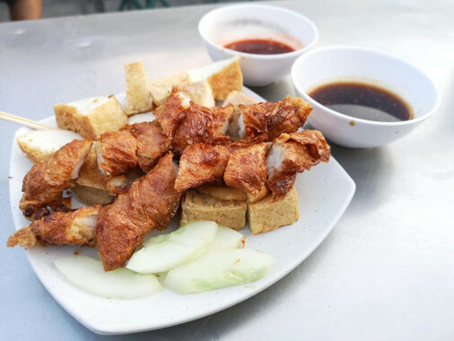 100 Years Old Lor Bak Stall Must Try For Foodies Who Visit Penang - WORLD OF BUZZ 2